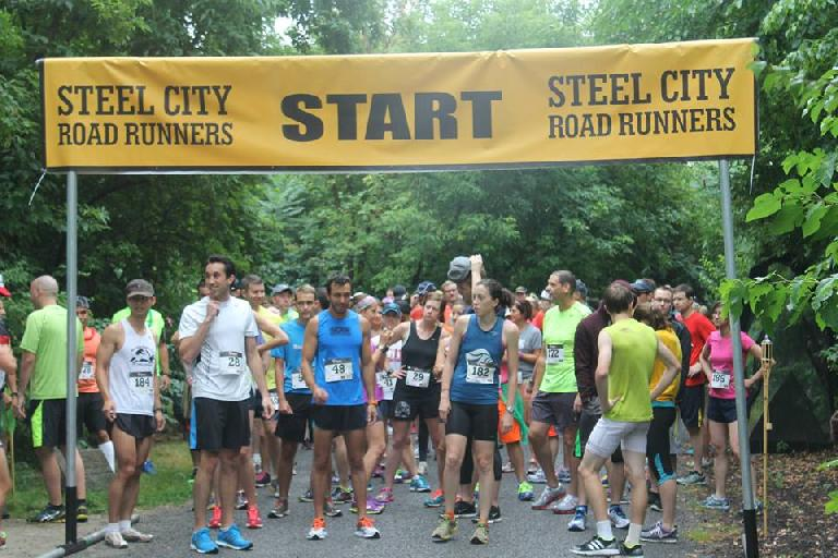 Runners at the start of the 2014 Hula Hula Huska 5k. Photo: Steel City Road Runners.