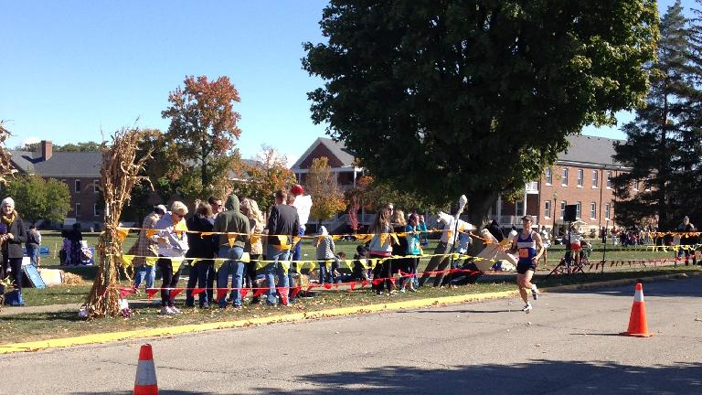 Felix Wong coming into the finish of the 2015 Indianapolis Marathon.