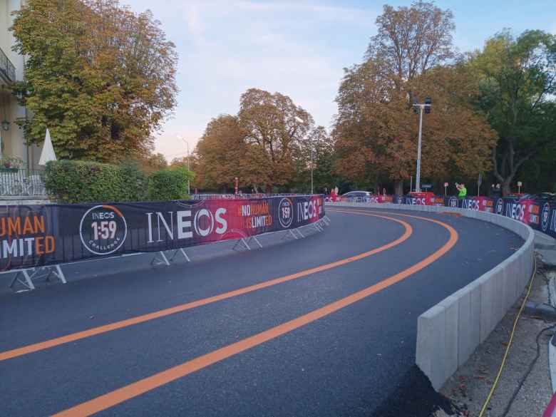 Roundabouts at the ends of the INEOS 1:59 Challenge course meant that Kipchoge would never have to make any sharp turns that would slow him down.