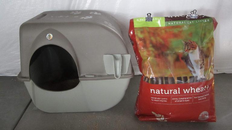 Integrity Natural Wheat+ kitty litter.