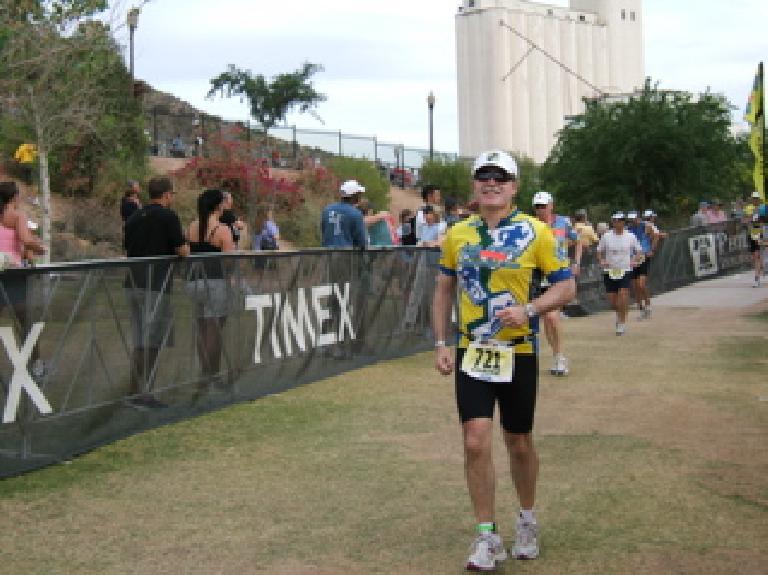 Phil on the run, looking happy. Photo: Todd Aki.