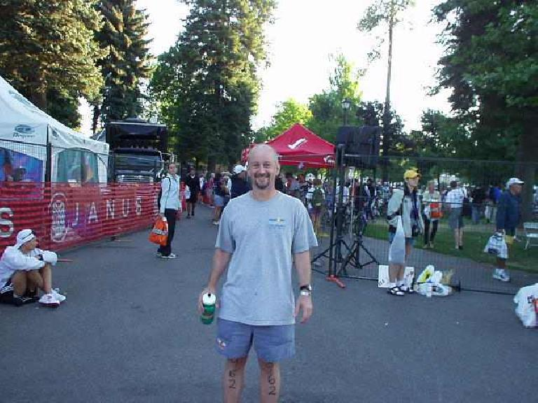 Tom in the transition area, all numbered up. (June 29, 2003)