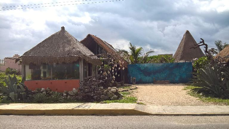 house, straw roof, Isla Mujeres