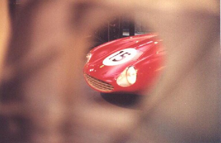 A pretty Ferrari GTO. (October 29, 1999)