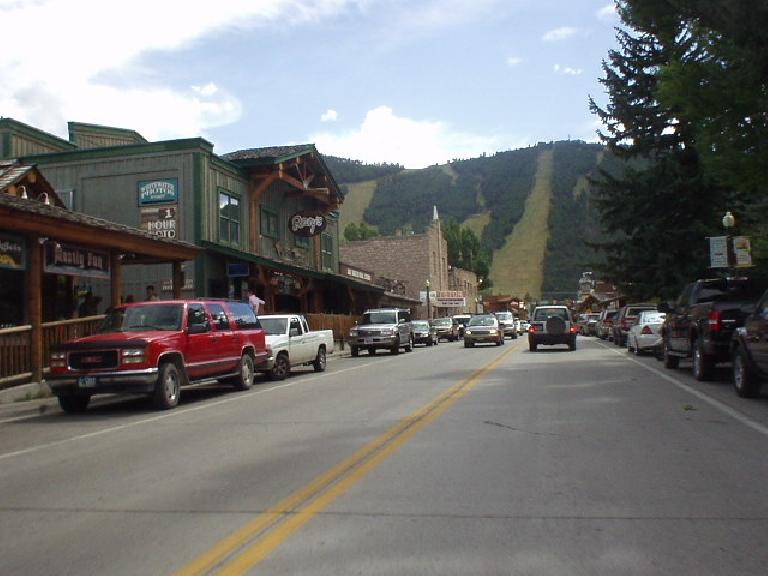 Downtown had an Old West feel to it, with lots of clothing stores, antique shops, and some galleries among a few restaurants.
