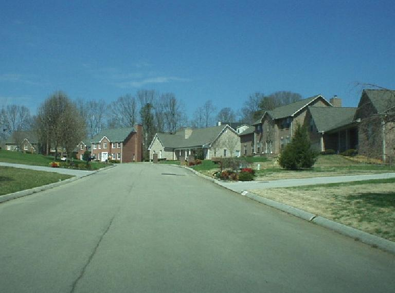 About 7 miles from Knoxville and 5 miles from Maryville were nice new homes such as these.  The neighborhoods in the west part of Knoxville (north of the Tennessee River) also seemed pretty nice (Miles 6-10 in the marathon).