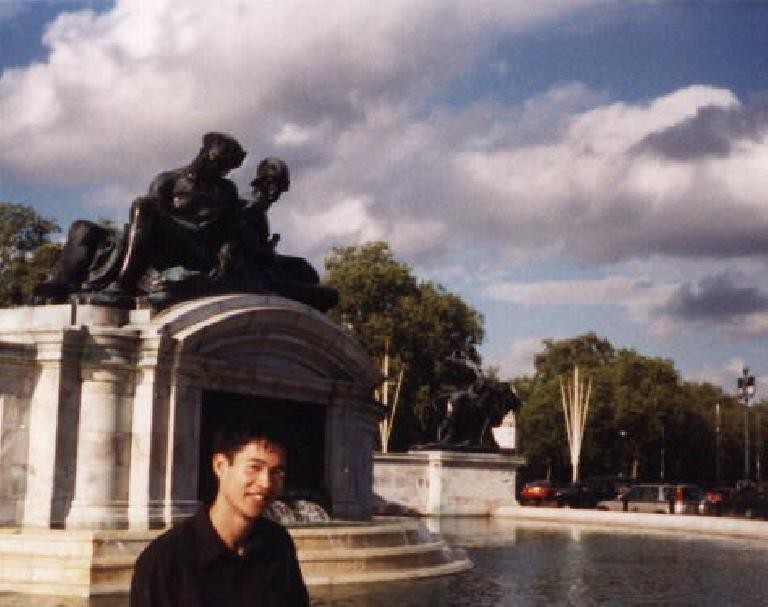Felix Wong at Buckingham. (September 25, 1999)