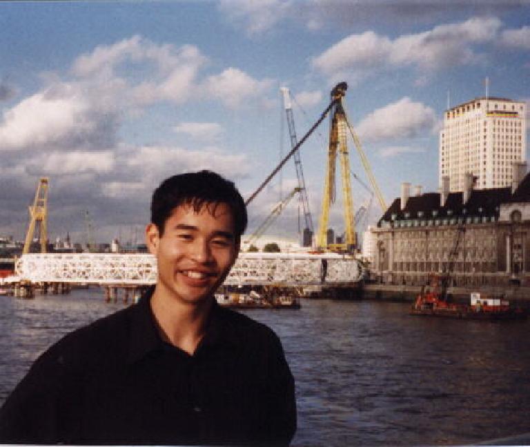 World's largest ferris wheel. (September 25, 1999)