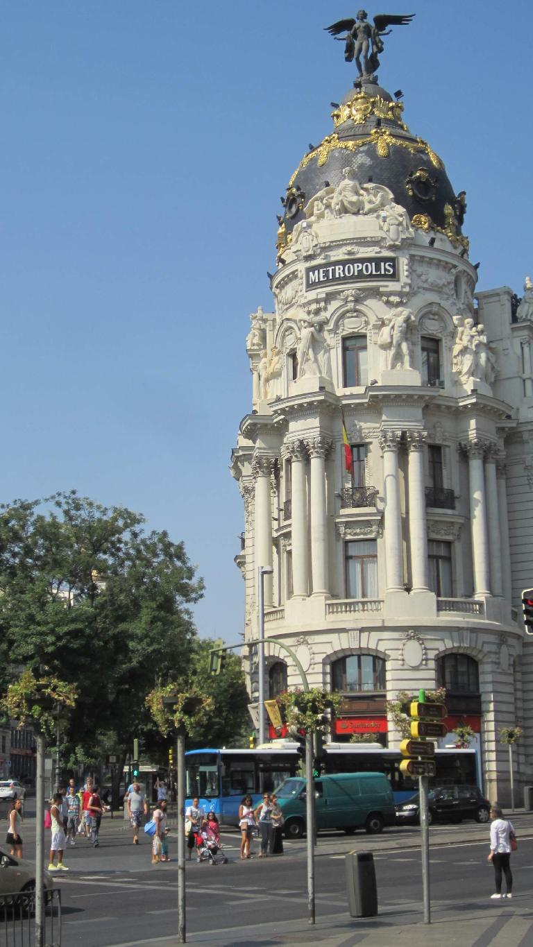 The Metropolis Building at the corner of the Calle de Alcal