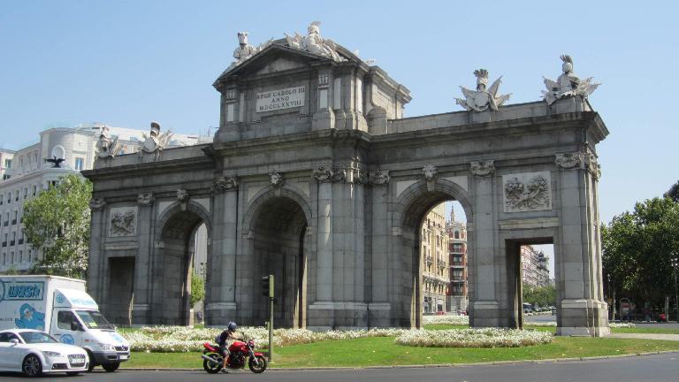 La Puerta de Alcala.