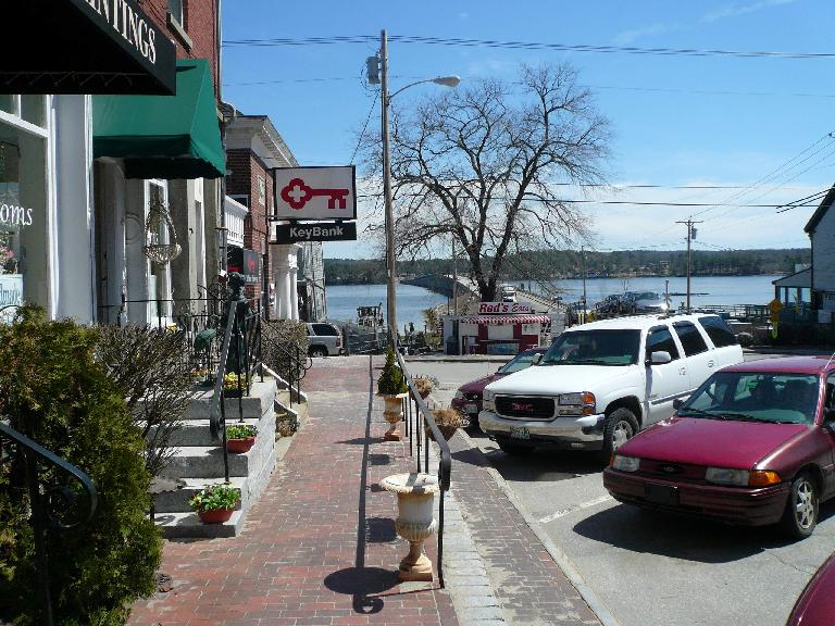 In downtown Wiscasset, I found Red's Eats which is world famous for its lobster rolls.  Unfortunately, it was closed!