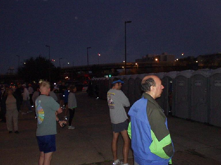 At 6:30am (30 minutes before the race start), the lines to the portapotties were still very short with virtually no waiting.  This would change 15 minutes before the start.