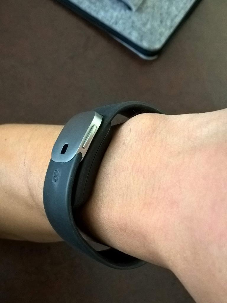 Metal clasp, comfortable fit, Microsoft Band 2