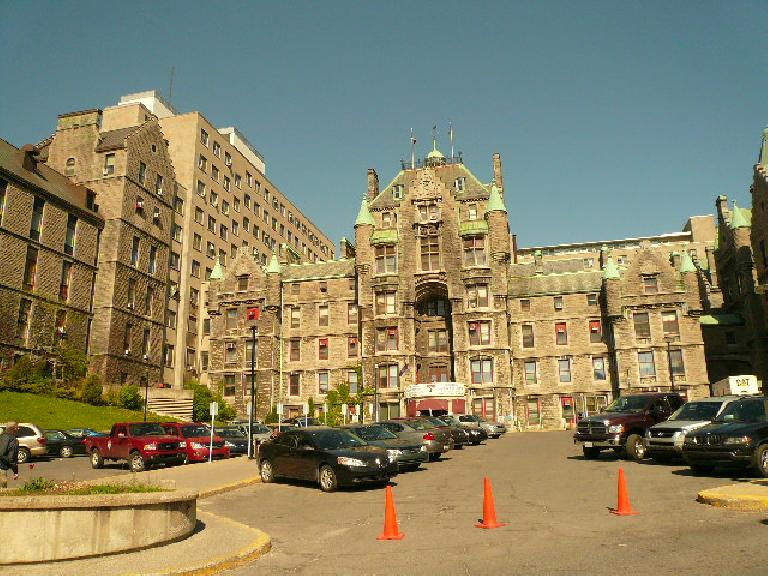 This is Royal Victoria Hospital, where my great grandfather passed away.