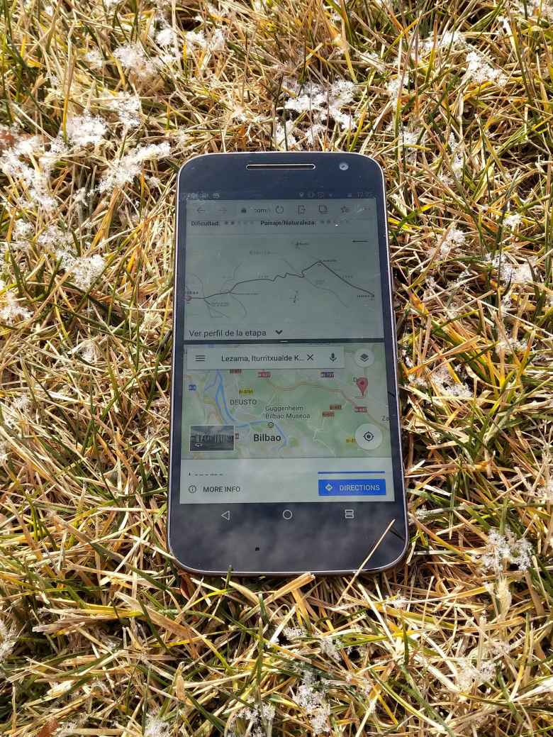 Moto G4 using split-screen mode for navigation of the Camino de Santiago.