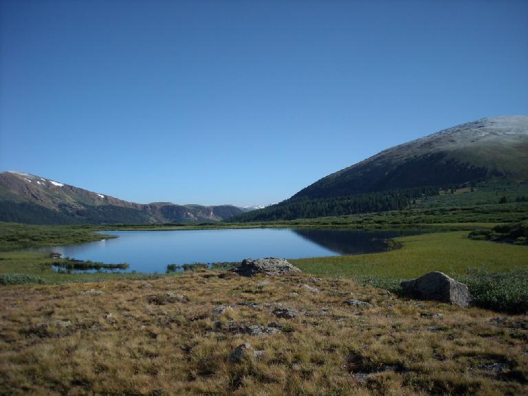 Lake near the trailhead for Mt. Bierstadt.