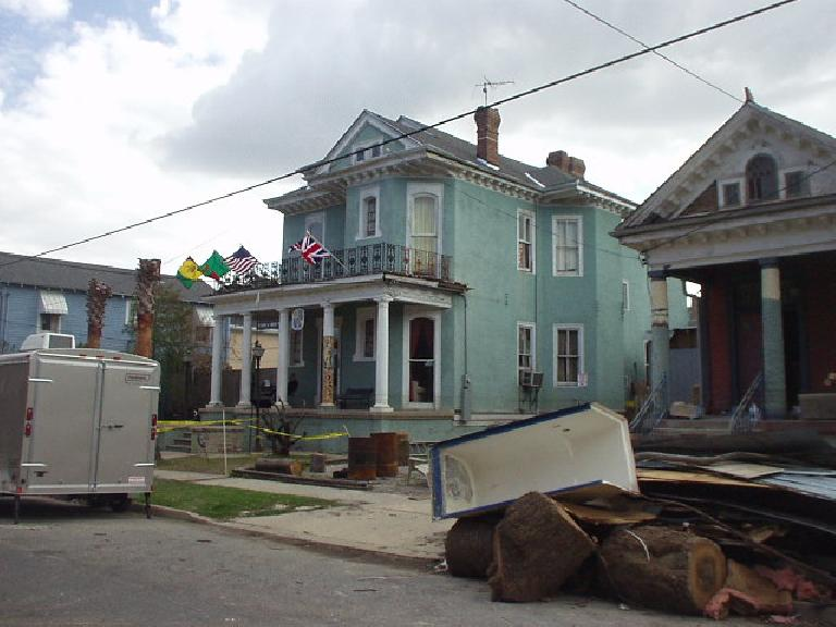 In contrast, the India House with its newly-painted siding and flags stood out like a beacon in the neighborhood. (February 6, 2006)
