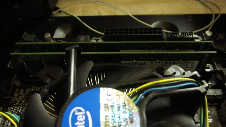 Crucial 8GB (2 x 4GB) DDR3-1600 memory modules.