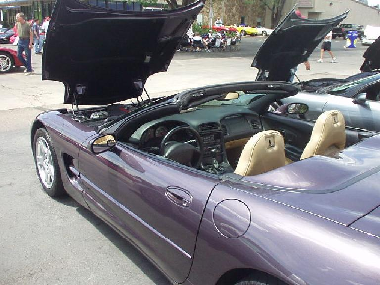A rare violet C5.  Note the dual-cockpit interior.