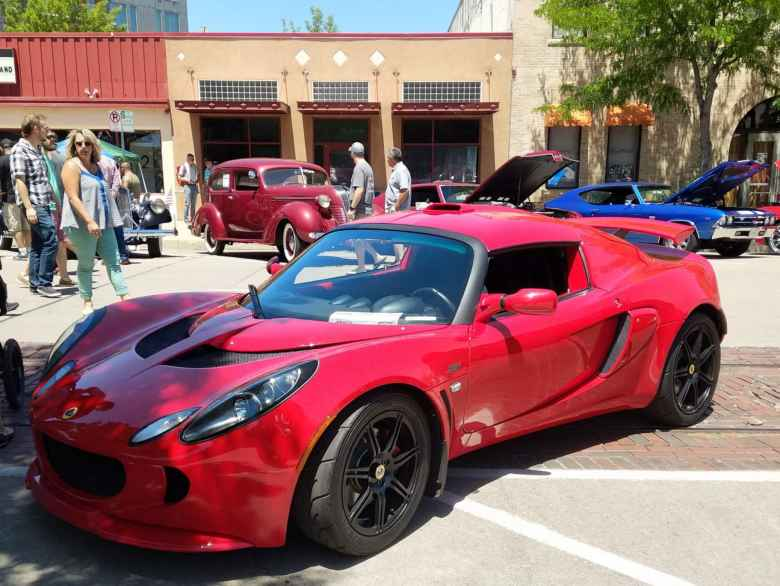 A red Lotus Exige.