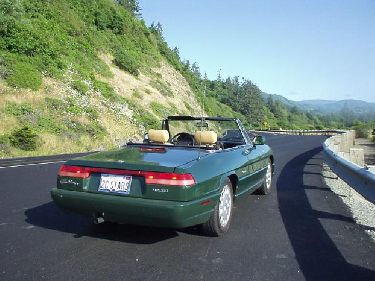 The Alfa felt right at home along the twisty roads of US-101 along the southern Oregon coast.