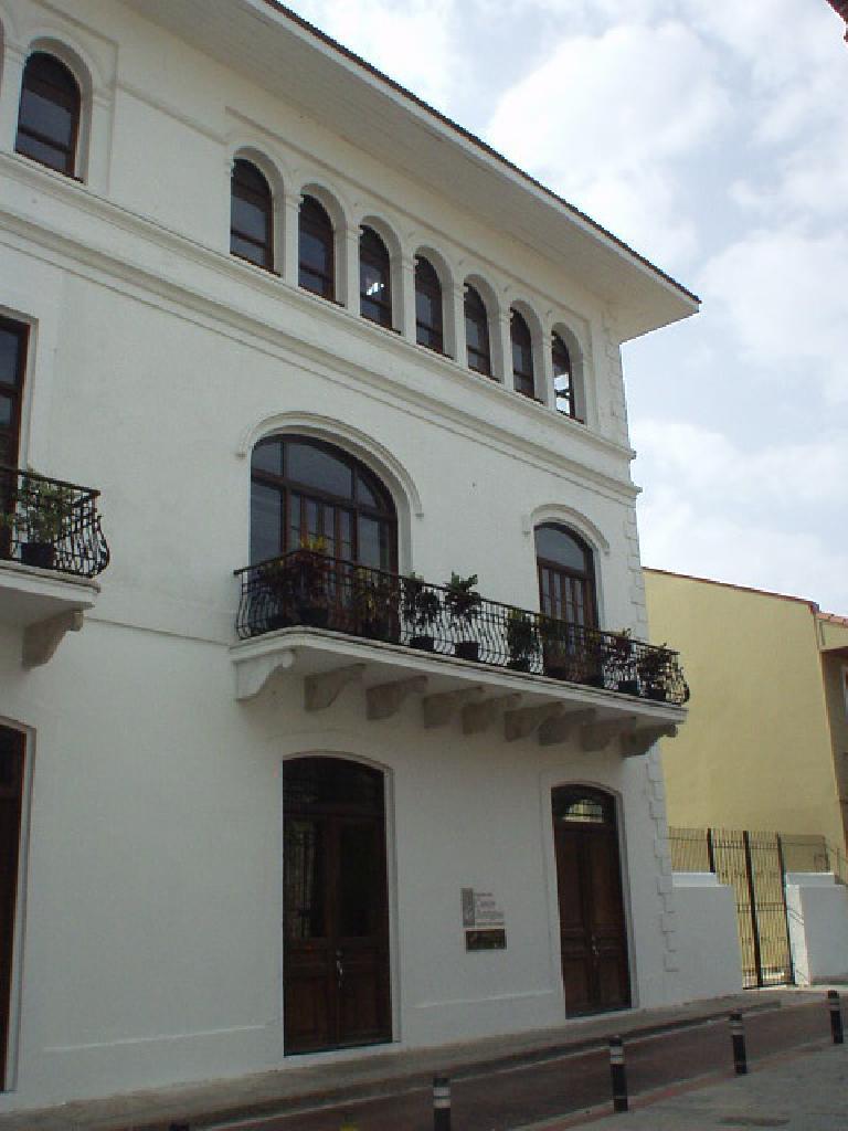 Lots of home in San Felipe had plants in plant holders on balconies. (March 11, 2007)