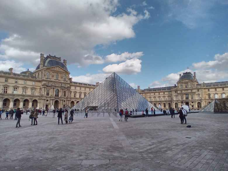 Passing by the Louvre.