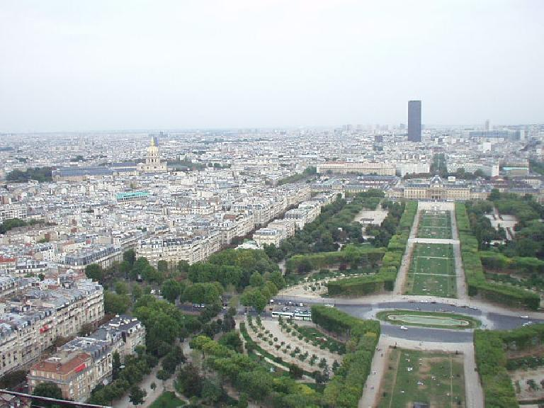 The southeastern view of Paris from the Eiffel Tower.