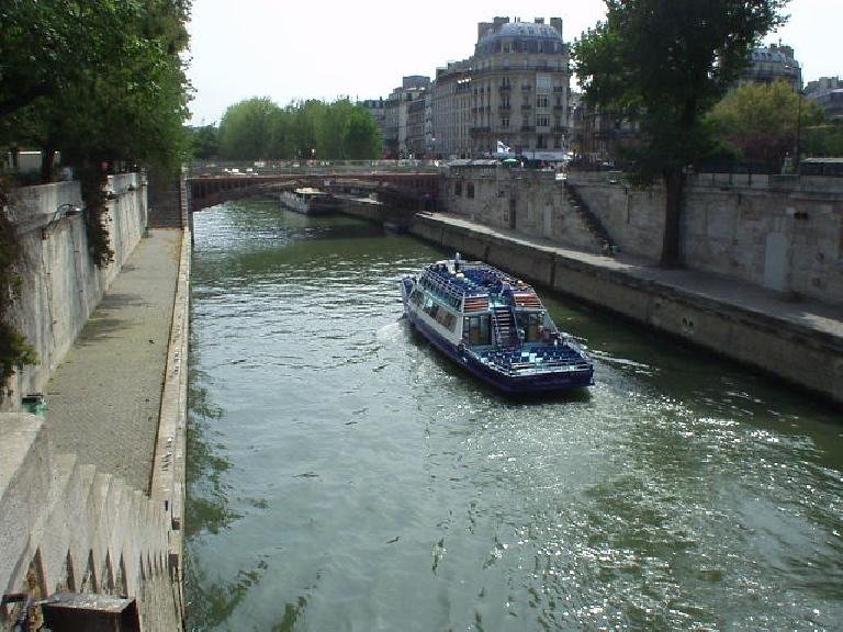 The view of the Seine near St. Michel and the Notre Dame Cathedral. (August 17, 2003)