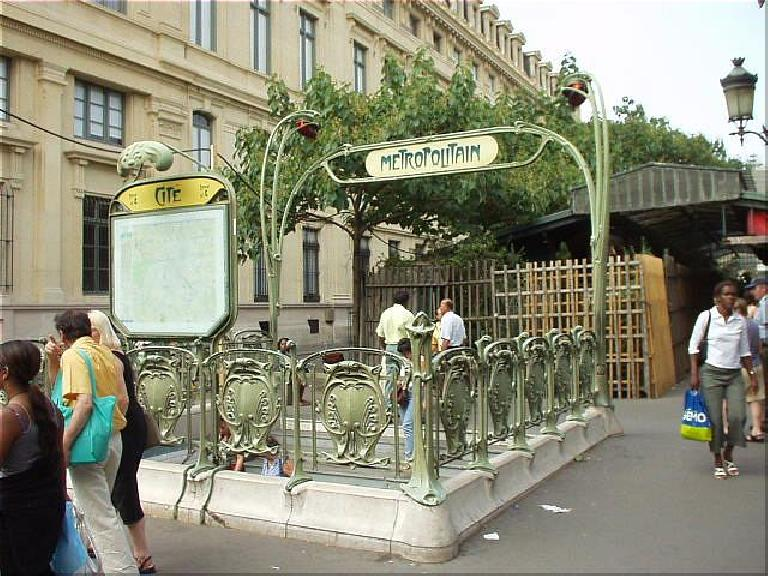 An example of Art Nouveau at the Metro entrance near the Palais de Justice.  You got to love a country where even something as mundane as a subway entrance qualifies as art! (August 17, 2003)