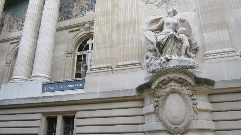 Le Palais de la D?couverte. (August 6, 2013)