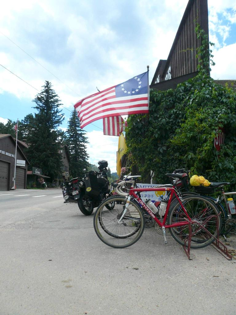 [Mile 92, 12:53pm] At a store in Glen Haven.  Thankfully, most of the ride's 10,600 ft. of climbing was over now.