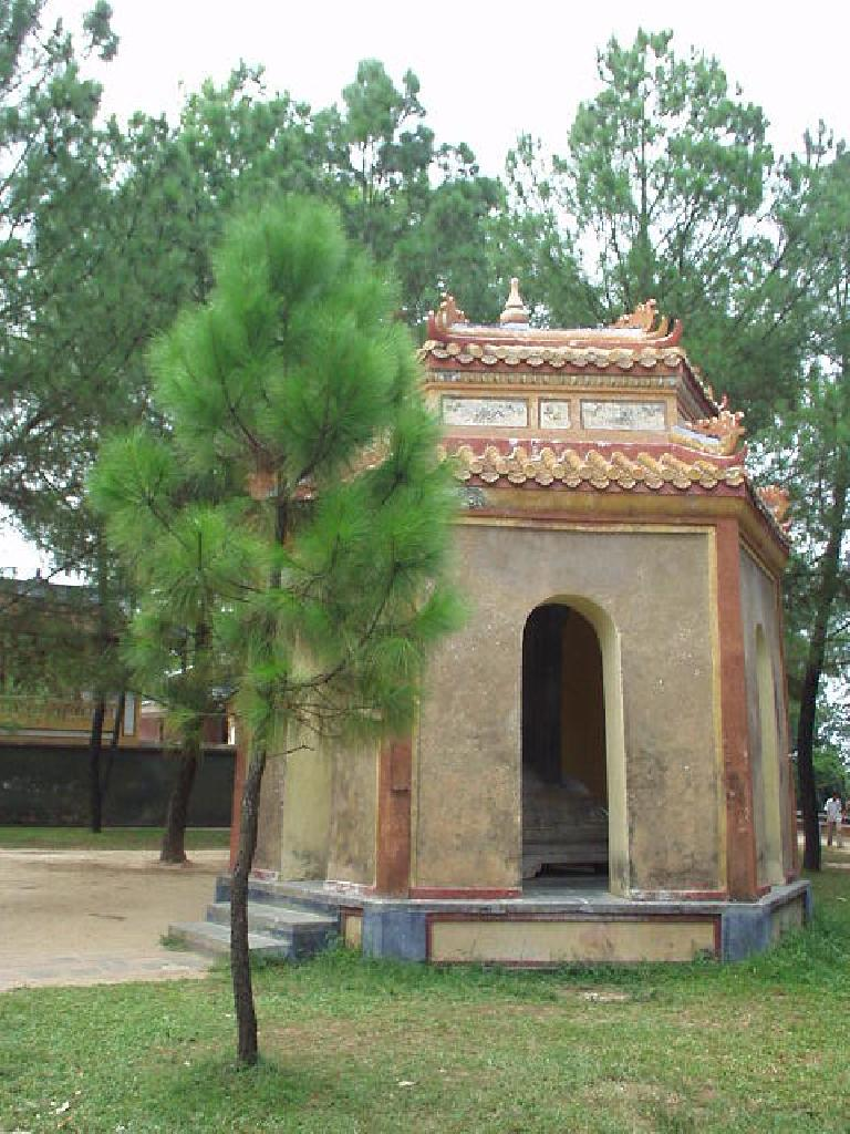 Pagodas around Thien Mu.