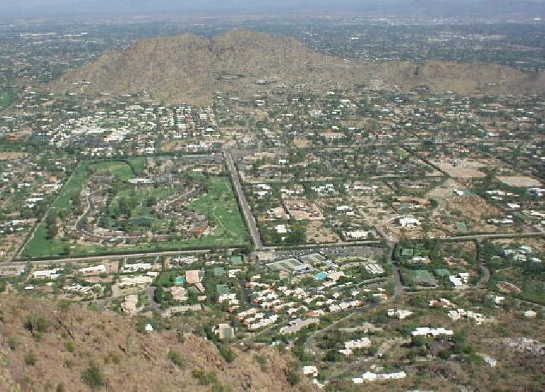 From above one could also see the dozens of tennis courts in Scottsdale.