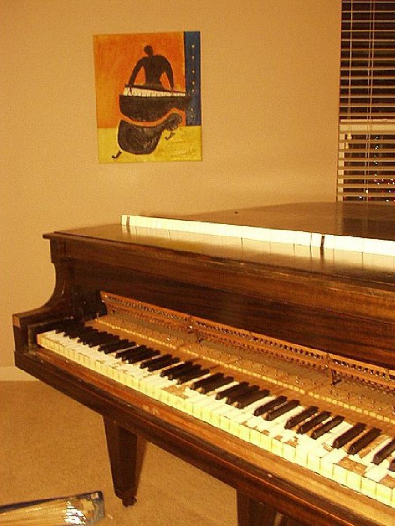 The piano, with no keytops.