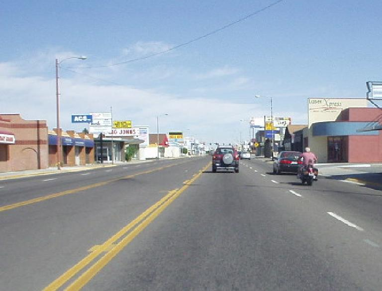 Like Idaho Falls, the nearest major town to the north, Pocatello is not a very beautiful town with its numerous fast food joints and chain stores, but at least traffic was light.