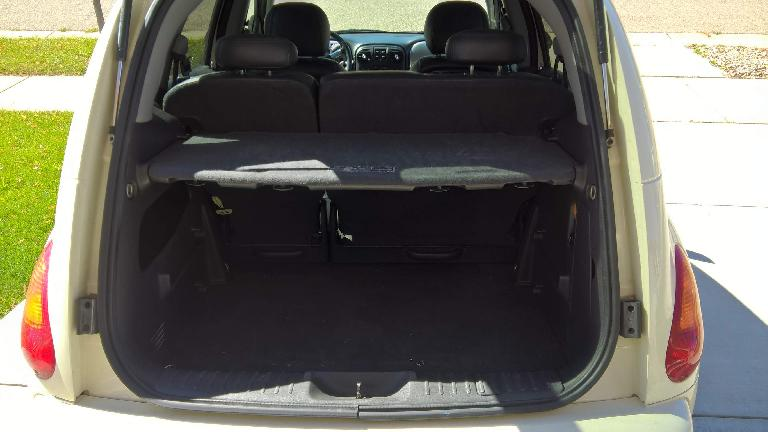The PT Cruiser's parcel shelf in its standard, highest position.
