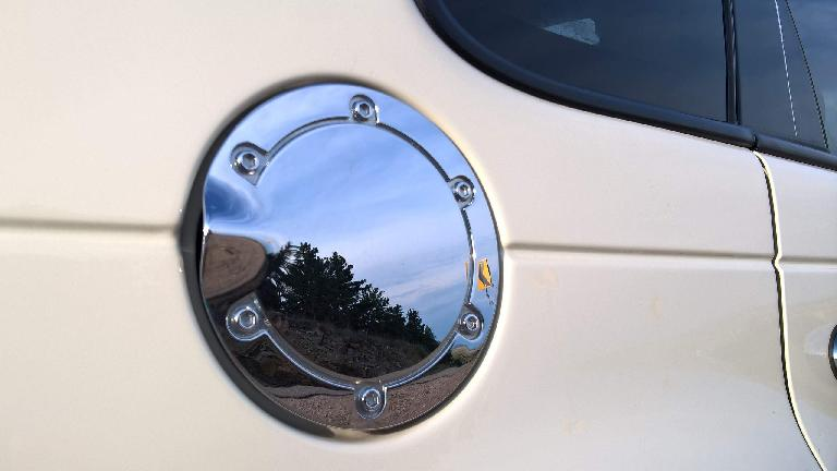 Chrome gas cap, 2005 Chrysler PT Cruiser GT, Cool Vanilla