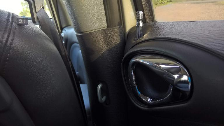 rear chrome interior door handle, 2005 Chrysler PT Cruiser GT