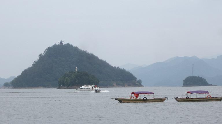 Boats on Thousand Island Lake.