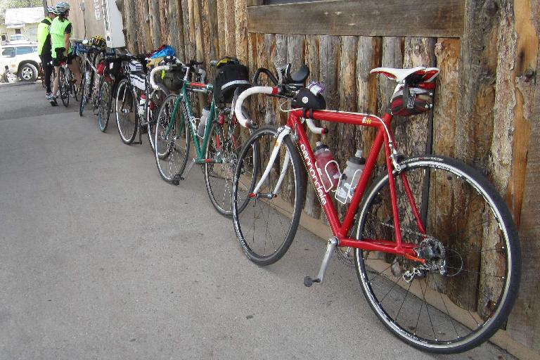 Bicycles at Vern's Place in Laporte, red Cannondale 3.0