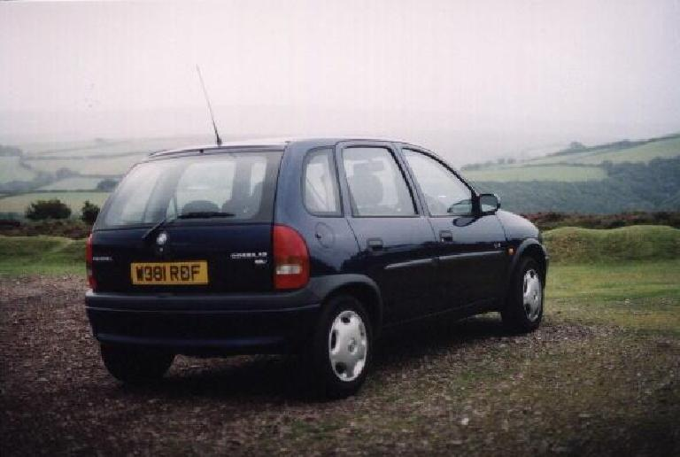 One of my all-time favorites, since it had a stick and got almost 50-mpg from its 1.2-liter 4-cylinder engine: the Vauxhall Corsa, in England. (August 15, 2000)