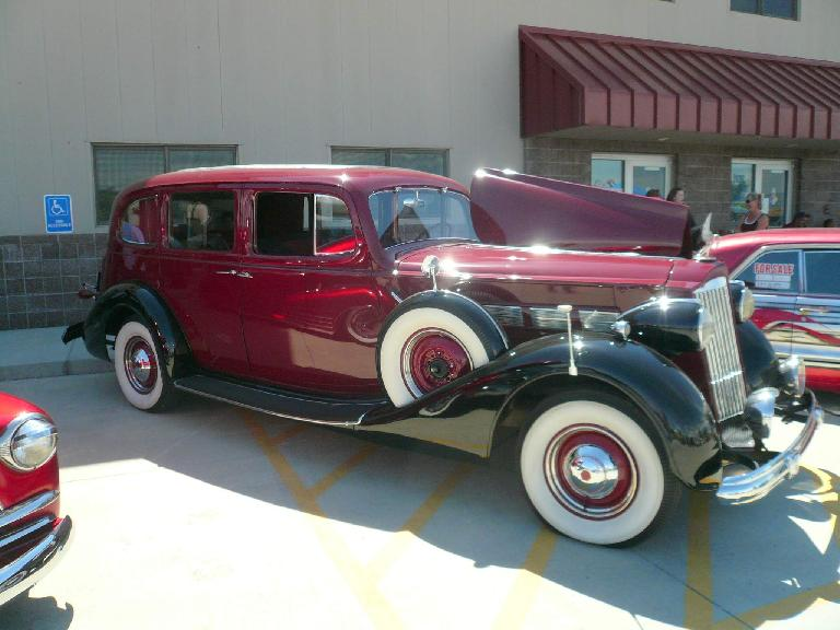 A Packard Super Seven.