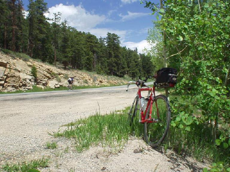 [Mile 101, 12:00pm] Unfortunately, on the descent I was getting sleepy and even had to pull over for a 12-minute nap.  Two other riders, Bill and Stacy, even saw my red Cannondale here while I napped.