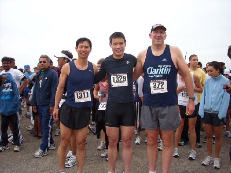 Felix, Everitt, and Russ -- old Tri-City Triathlon Club buddies -- at the start of the 5k and 10k race.