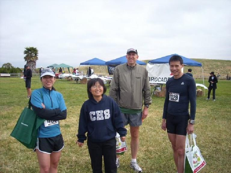Alyssa, Stacey, Russ and Everitt after having a better race than me -- I got hopeless lost after having 2nd place virtually locked up.