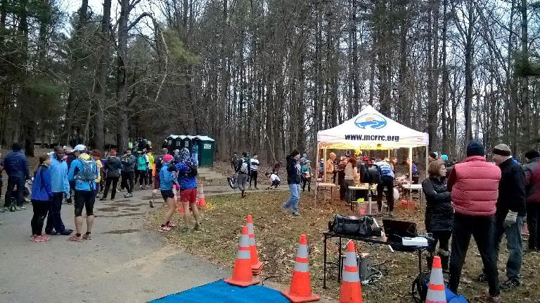 start area, 2016 Seneca Creek Greenway Trail Marathon