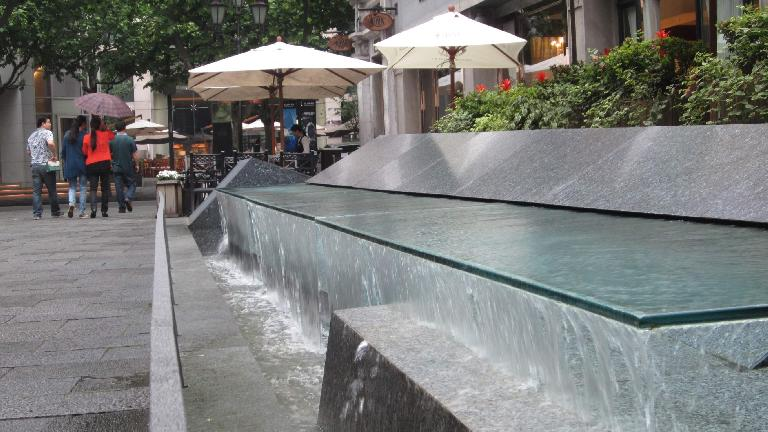 Another fountain in the Xintiandi district of Shanghai. (May 17, 2014)