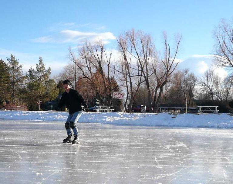 sheldon_lake_skating0208-1.jpg