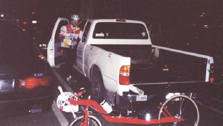 Harry Gretzke, Felix Wong's red Reynolds Wishbone recumbent, start of 2000 Solvang Double Century